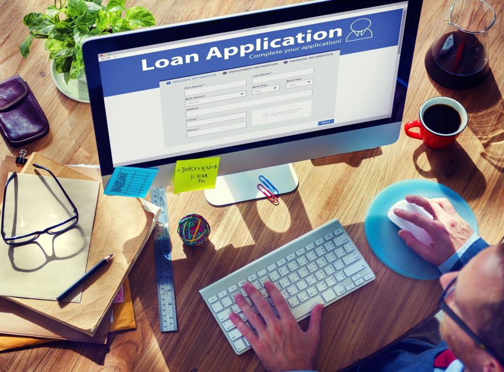 lån penge online computer